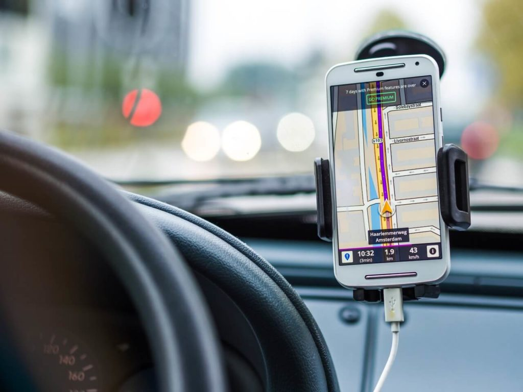 gps driving direction to restaurant